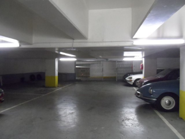 Location Parking  - 0m²  Paris